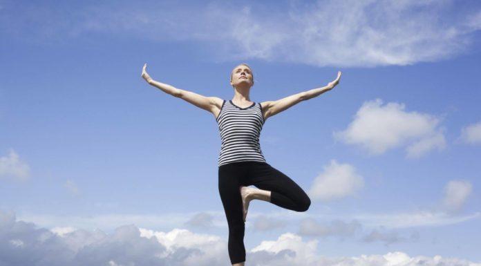 Yoga là gì và tại sao nên tập yoga?