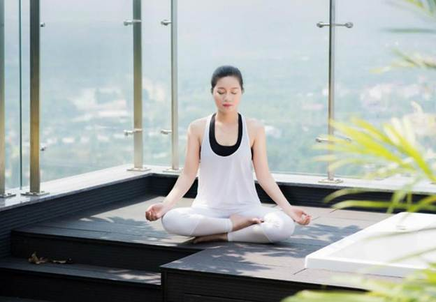 Yoga là gì và tác dụng khi tập yoga